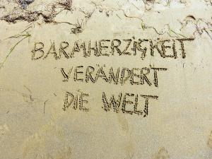 barmherzigkeit_veraendert_die_welt-01_by_friedbert-simon_pfarrbriefservice